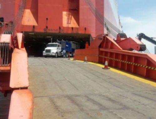 Survey de descarga de 2 remolque camiones  de cemento a bordo del buque  MV LIBERTY en Santa Marta, Colombia